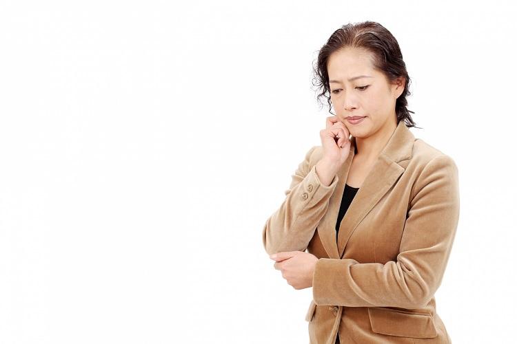 【クリニック監修】女性なら誰にでもやってくる「更年期」は抜け毛にも要注意!